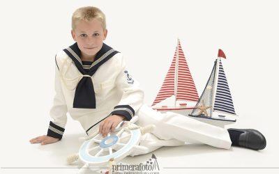 Traje de marinero para la Primera Comunión, una moda que cumple 65 años